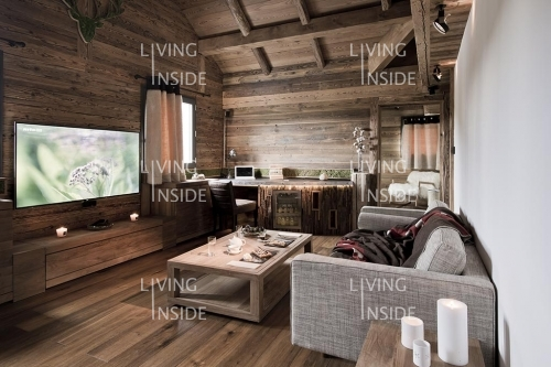 Chalet les rhodos france winter editorial features - Interieur chalet montagne photo ...